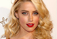 Amber-heard-sexy-vintage-hair-and-makeup-side